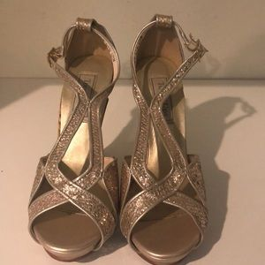 Shoes - Gold strappy heels size 6.5